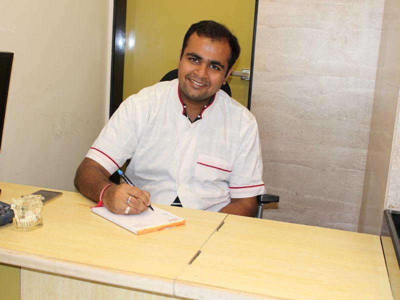 Dr. Pratik Chheda MDS Prosthodontics